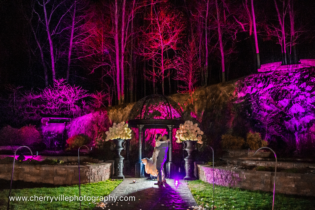 #samedayedit #NJWedding #CherryvillePhotography #StroudsmoorInn cherryville-photography-clinton-hunterdon-county-NJ-wedding-photographer, cute-sweet--fun-must-have-bride-groom-picture-same-day-edit-st