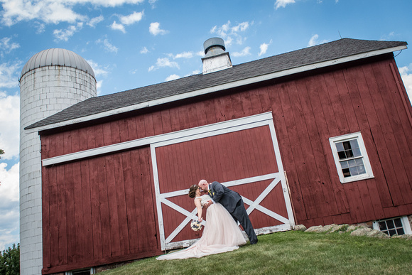 12,clinton-hunterdon-county-NJ-wedding-photographer, cute-sweet--fun-must-have-bride-groom-picture-cherryville-photography-flanders-valley-cc-rustic-barn