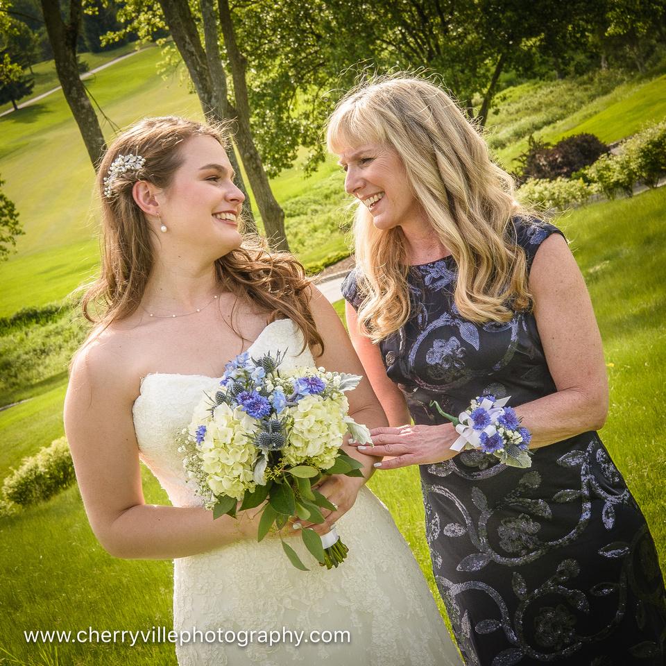 cute-sweet-fun-must-have-bride-groom-picture-cherryville-photography-clinton-hunterdon-county-NJ-wedding-photographer